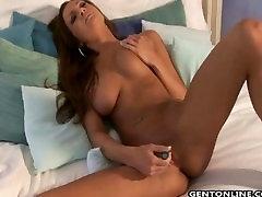 Pornstar Amy Reid She Fucks Her Dildo
