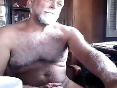 I love this very sexy silver hairy bear