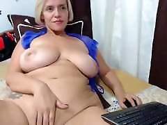 Blonde huge boobs mom, solo webcam masturbation