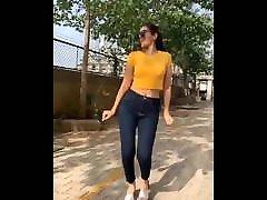 Indian actress Elakshi gupta hot and sexy dance