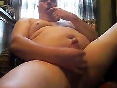 Gorgeous Chubby Bear Wanking