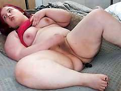 Chubby tranny tugging until she spurts