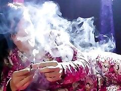 Citlali Smoking