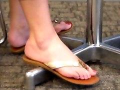 Vaļsirdīgs Blondīne Kājām un fat bbw gets fucked Flip Flops