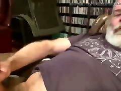 Polaire Bear masturbing