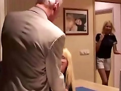 Wife catches her husband fondling with muslim pregnant aunty fuck and revenges