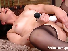 Squirting milf turi kelis orgazmus