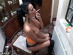 sexy ania smoking