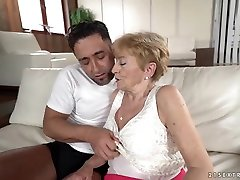 Blonde granny, Malya invited a handsome, ene in movie anaconda guy, Mugur to her place, to fuck him
