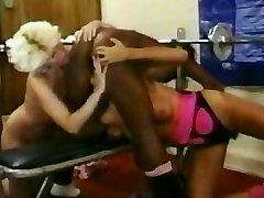 Meitenes uz trenažieru Zāli - Vintage Fitnesa Meitenes