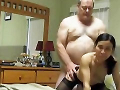 Big White bull fucks Little kitty landong wife