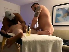 BEAR 4 HAND MASSAGE WITH HAPPY ENDING