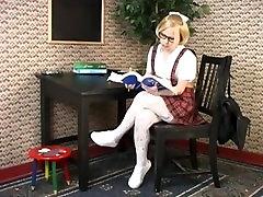 seachlesbi dolli fox schoolgirl