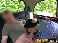 भाड़ में जाओ टैक्सी, टैक्सी में