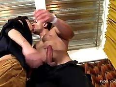 Gay Sex : Leo Alexander & David Ace Bareback