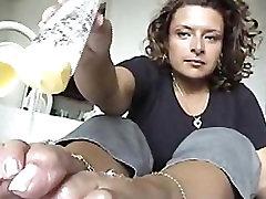 raven arată off ei lung franceză pedichiura unghii și tălpi sexy