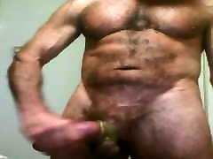 Muscled daddy solo 01