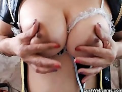 Blonde pro dick rider fingers her pussy on webcam