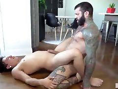 Gay Sex : Markus Kage & Lean fit muscle gay Bareback