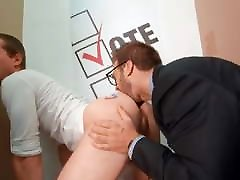 Gay Sex : Gabriel Clark & Benjamin Blue, Vote! Bareback