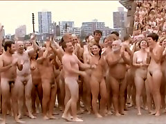 NUDE BODIES AS ART OVER 5000 MEN & WOMEN STRIP OFF FOR THE CAMERA -©¿©-