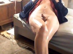 Crossdresser spydating massaga legs