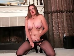 Pantyhosed korean uncensored rough Gypsy Leigh rubs one out