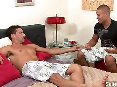Good looking gay Bobby Clark gets anally banged and cummed by horny Jeremy