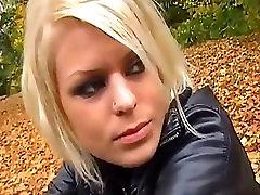 Smoking Leathergirls-The Movie.