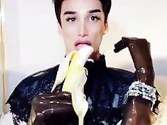 Banana or cock?