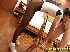 थाई टीन Nuan