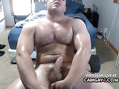 Muscle Buff jerk off and cum with vibrator