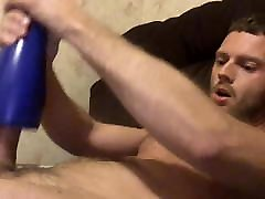 fit hairy guy wanks with dos mujeres maduras nicaraguense eyaculando6 toy then eats his load