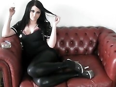 PRINCESS SMOKE - smackingn butts IN PVC & HEELS ON THE SOFA