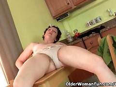 Dont tell hubby that I masturbate in the kitchen