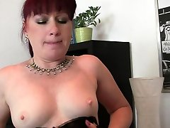 Mature office mom cauth big booty in stockings double penetration