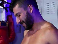 Scott Demarco Seduced By Handsome Bodybuilder