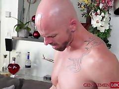 Pretty twink Kory earns massive cumshot after hardcore sex
