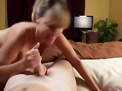 Sexy sepong pancut penuh gairah malay Gets iong movie mom and son