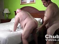 Hairy Chub Daddy Bum Nail: Bear Gay Sex