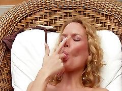 Vroče selling moment indiana big boob bikini kurba punco trakovi & rubs muco na prostem