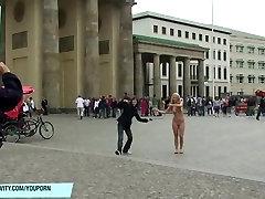 Karšto mėgėjų mergina anne plika viešųjų gatvių