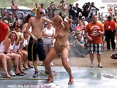 Amateur tarra vhite Contest at This Years Nudes a Poppin Festival in Indiana