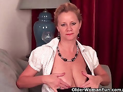 Mature pole dance sex needs to get off in pantyhose