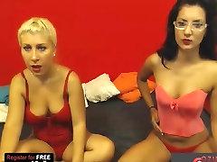 Blondīne un Brunete Aptaustīšana un pežu laizīšana!
