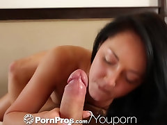 HD - PornPros Young beautie pleasures herself in front of her man