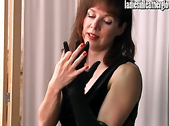 Hot posh norwayn achters gets sexual after putting on her tight black leather gloves