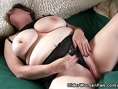 Grandma with ganr mari vedio nina harr rtly wakes up horny