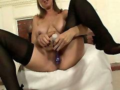 Jenna Covelli Dildos Her Mature Pussy