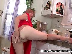 Mama skôr masturbuje ako vyčistiť kuchyňa